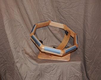 Rug hooking frame--basic model