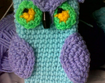 Crochet owl phone cover