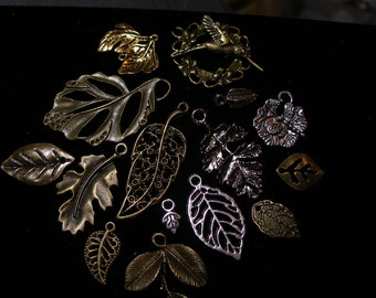 Leaf charms pendants, 15 different   Game of Thrones  TeamESST, OlympiaEtsy, WWWG, EnglishGeeks, Geeky, Freaky, Unique-y, SupportingArtists