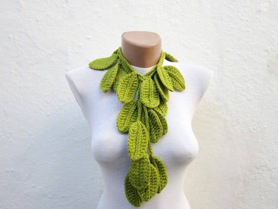 Handmade  crochet Lariat Scarf, Leaf Scarves, Green, Necklace Scarf, Crocheted Jewelery, Skinny Leaf Accessories