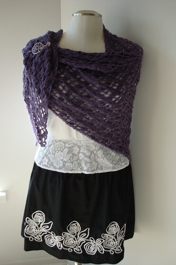 Purple Crocheted Shawl, Triangular Wrap, Purple Shawl, Plum Cowl, Crocheted Diamond Pattern, Bamboo Blend Yarn