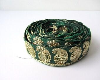 Green gold paisley sequenced ribbon nr. 23