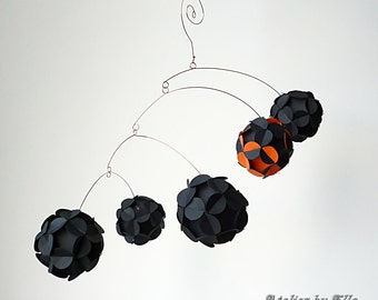 Hanging mobile, Eye catcher Kinetic Mobile,Orange Black, Paper balls Mobile