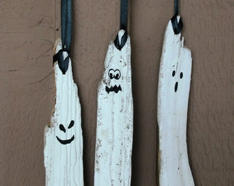 Set of Three Driftwood Ghosts: Rustic, Beach Home Halloween Decor, Fall Decor. Halloween Decoration, Halloween Decor, Porch Decor