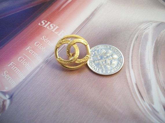 LAST ONE Gorgeous Chanel Cut Out  golden button gold tone cc Logo vtg Rare
