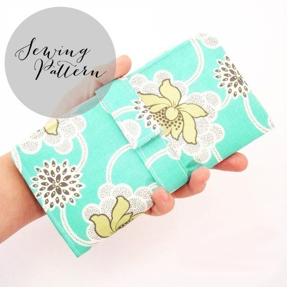 INSTANT DOWNLOAD - Organized Wallet Sewing Pattern - PDF by Jenna Lou Designs