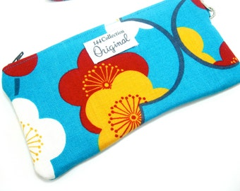 Floral Blue Wristlet, Wallet Wristlet, iPhone Wristlet, Wristlet Purse for Women, Wristlet Clutch