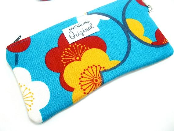 Floral Blue Wristlet, Wallet Wristlet, iPhone Wristlet, Wristlet Purse for Women, Wristlet Clutch