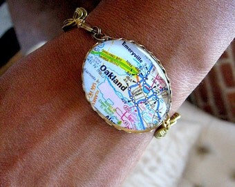 Oakland Map Bracelet - Oakland Map Jewelry - Oakland California - Glass Dome - Vintage Chain - Choose your size