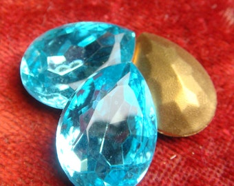 PEAR Aquamarine Turquoise  RHINESTONE 18 mm x 25 mm (1) One Vintage Large Teardrop Glass Gold Foil Back 18mm x 25mm jc por MORE AVAlLABLE