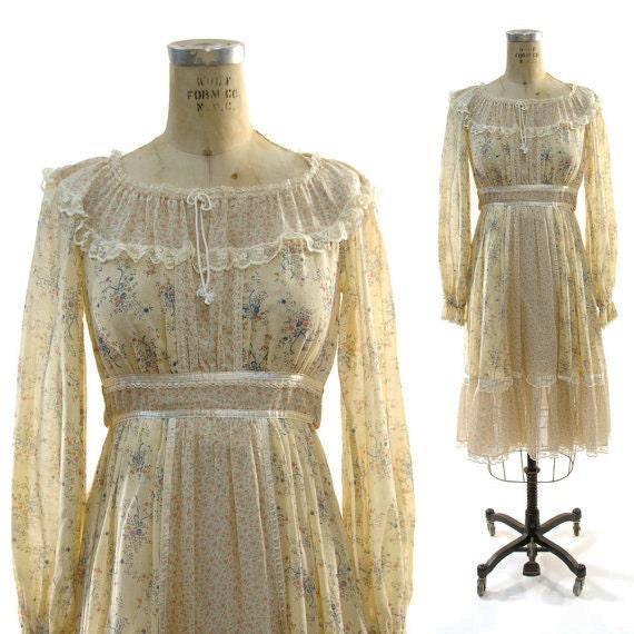 Renaissance Festival Wedding Dresses: Peasant / Bridal / Renaissance / Festival Dress In By