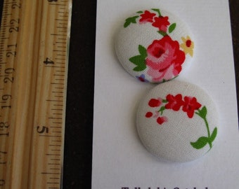 """Wearable Sew On Fabric Covered Buttons - Size 45 or 1 1/8"""" Roses"""