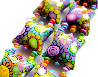 Smile - 8 polymer clay pillow beads - 20mm