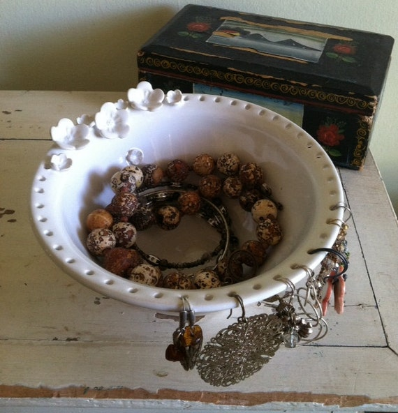 Earring Bowl, Jewelry Bowl, Jewelry organizer, handmade ceramic, pottery bowl, earring holder