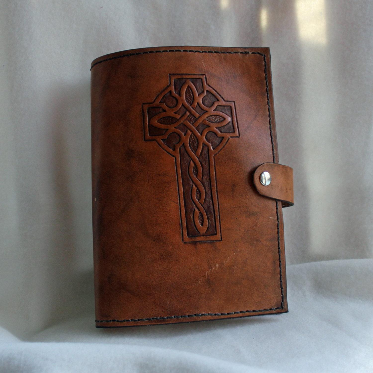 Bible Covers: Hand Tooled Leather Bible Cover With Celtic Knot Cross