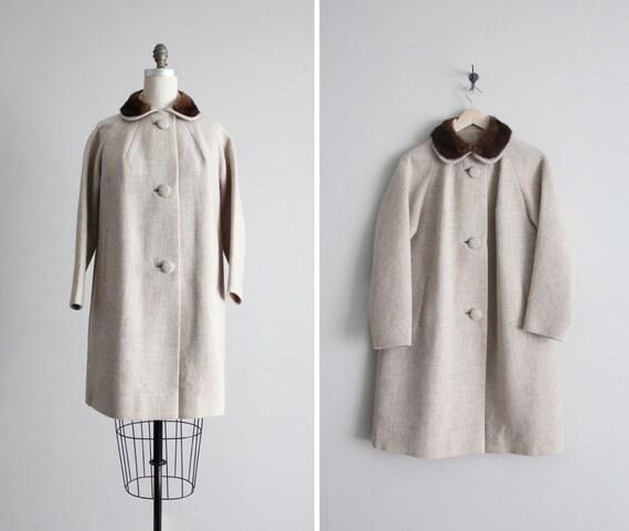fur collar coat / 1950s coat / peter pan collar