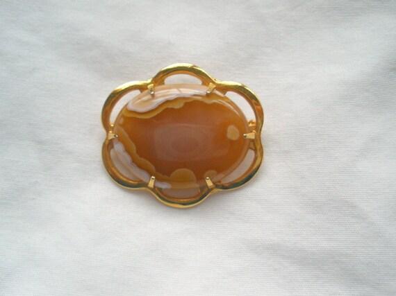 Vintage Caramel Banded Agate Brooch
