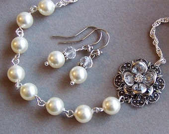 Wedding Jewelry Set - Swarovski Pearl and Clear Crystal Flower Necklace and Earrings, Wedding Jewelry, Flower Jewelry - 3019