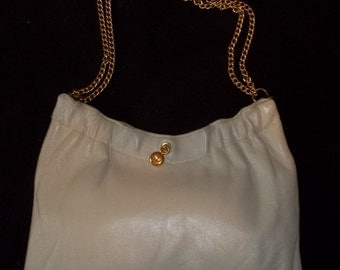 Adorably Chic ANDE Vintage Leather Purse - Fit for a FASHIONISTA