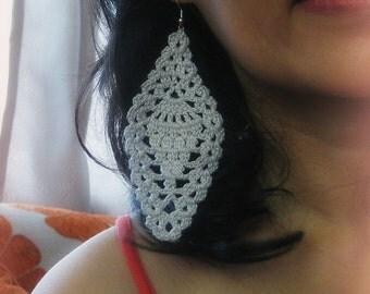 Pineapple Motif Earrings - crochet pattern