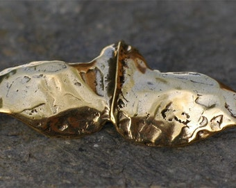 Rustic Whale Tail in Gold Bronze