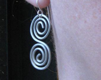Spiral earrings double swirl s shape aluminum wire curves