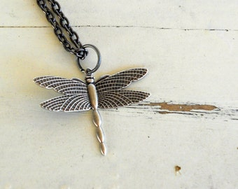 Dragonfly Charm Necklace. Silver. Steampunk.