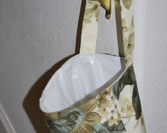 Hanging laundry wet bag small