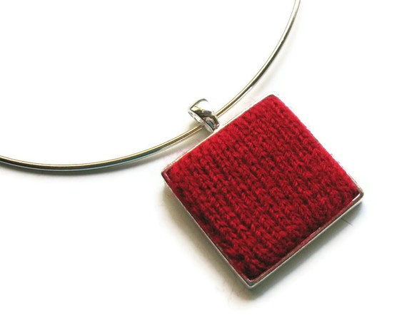 Red Square Necklace Knitted
