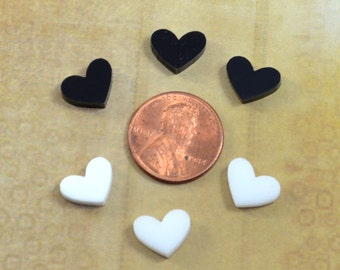 BLACK And WHITE HEARTS - Set of 6 Cabochons in Laser Cut Acrylic