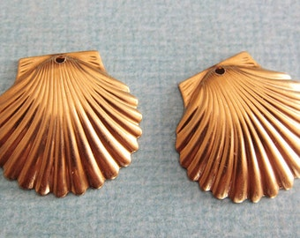 2 Brass Sea Shell Charms 1299B