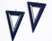 Vintage Navy Blue Acrylic Triangle Pendants with Loop pnd082