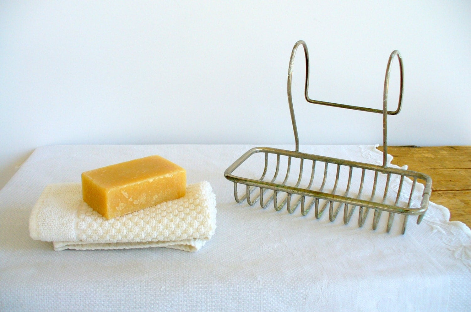 Vintage Wire Soap Holder For Clawfoot Bathtub