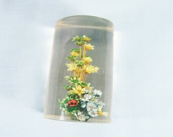 Flowers and Lady Bug in Resin Vintage 70s Paperweight