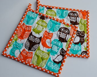 Hotpads, Quilted Potholders, Swedish Owl Potholders, Shower Gift, Hostess Gift, Set of two potholders, Fabric Potholders