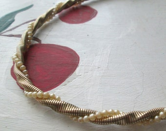 CORO NECKLACE FIFTIES Twisted Rope Gold Tone with Faux Pearl