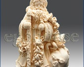 3D Silicone Soap/Candle Mold - Classic Santa - 2 parts assembled mold