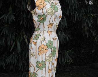 1950s HOURGLASS Dress w/Oversize Floral Graphics / Wiggle Dress /  Pencil Dress / BOMBSHELL