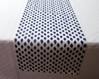 IKAT BLUE DOTS Tablerunner 13x84