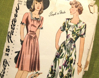 1942 Vintage Sewing Pattern - Misses Evening Dress Or Day Dress Basque Bodice Simplicity 4605 / Size 14
