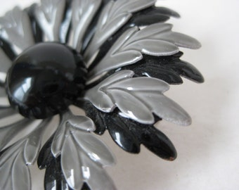 Flower Brooch Black Gray Enamel Vintage Pin