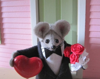Felt Mouse Dressed up for Valentines Day