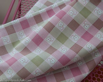 Daisies on Plaid- Vintage Fabric 50 36 in wide Pink Green Checked Fun New Old Stock