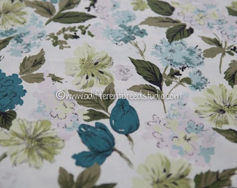 Romantic Shabby Cottage Floral  - Vintage Fabric 36 inches wide 50s New Old Stock Garden