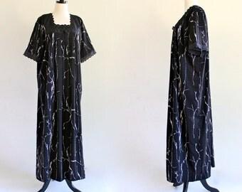 80s Black White Tent Caftan Kaftan Boho Hippie Ethnic India Maxi Dress Muu Muu Lace Trim . D129 . No.8.1.5.13