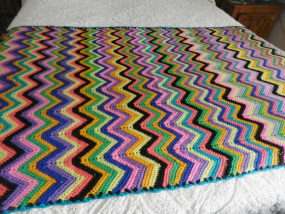 Crochet Afghan Pattern Zig Zag : Vintage Crocheted Zig Zag Afghan by SnowyCreekDesigns on Etsy