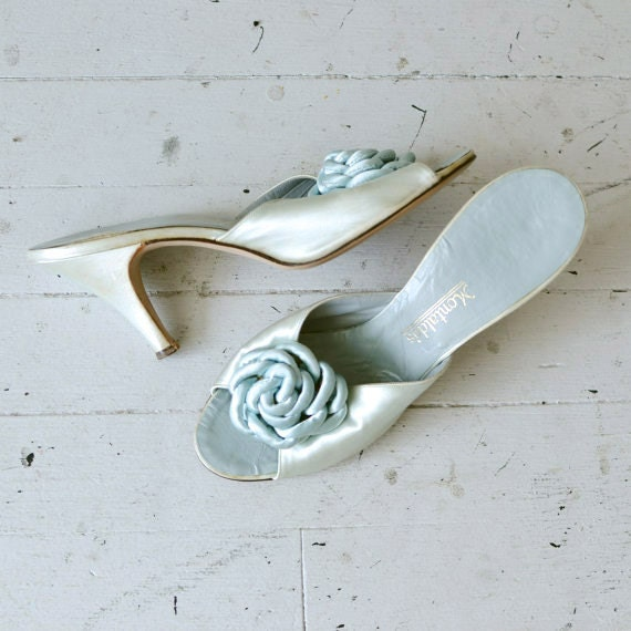 SALE 1950s shoes / vintage 50s shoes / boudoir slippers / Iced Rose heels