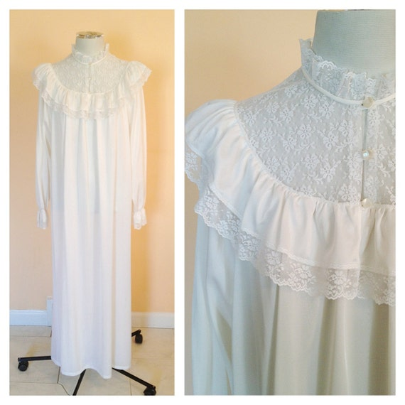 Vintage Maxi White High Collar Nightgown. Lingerie Dress. Long Sleeve. Size Small. Victorian. Nylon. 1970s. Lace. Romantic. Feminine.