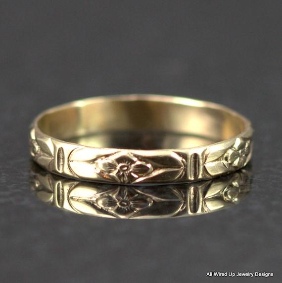 14k gold flower pattern band slender floral wedding ring. Black Bedroom Furniture Sets. Home Design Ideas