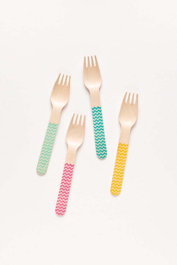 Classic Chevron - 20 Wooden Forks Spoons Or Knives - Perfect Alternative To Plastic Utensils For Parties